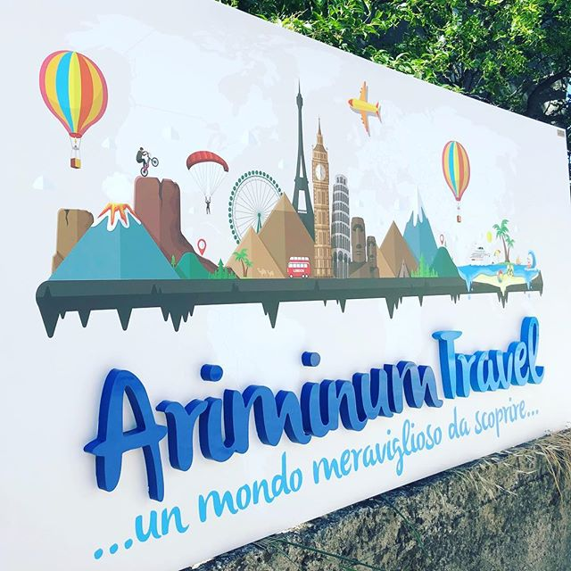 Insegne e totem a Rimini